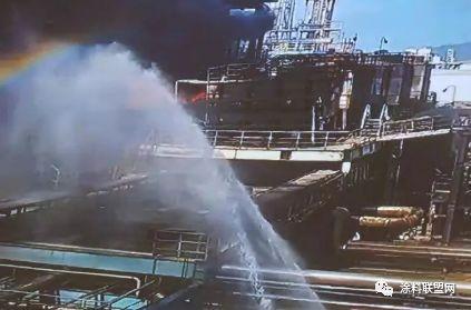 突发!珠海一石化厂发生爆炸 现场火光冲天