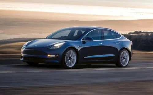 特斯拉Model 3车底油漆衰减严重,用户发起集体诉讼